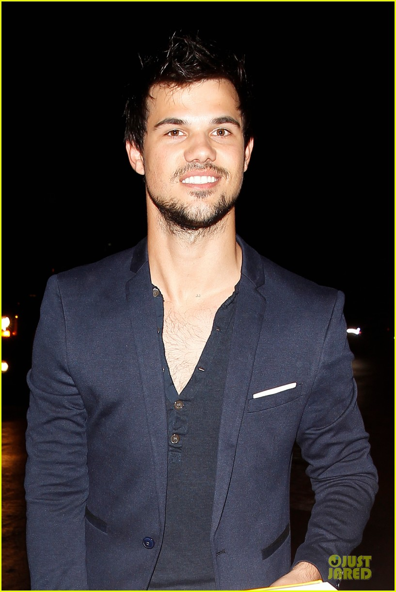taylor lautner will bring his hotness to cuckoo season 2 02
