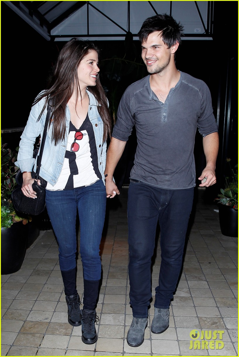 taylor lautner marie avgeropolous look so in love on dinner date 13