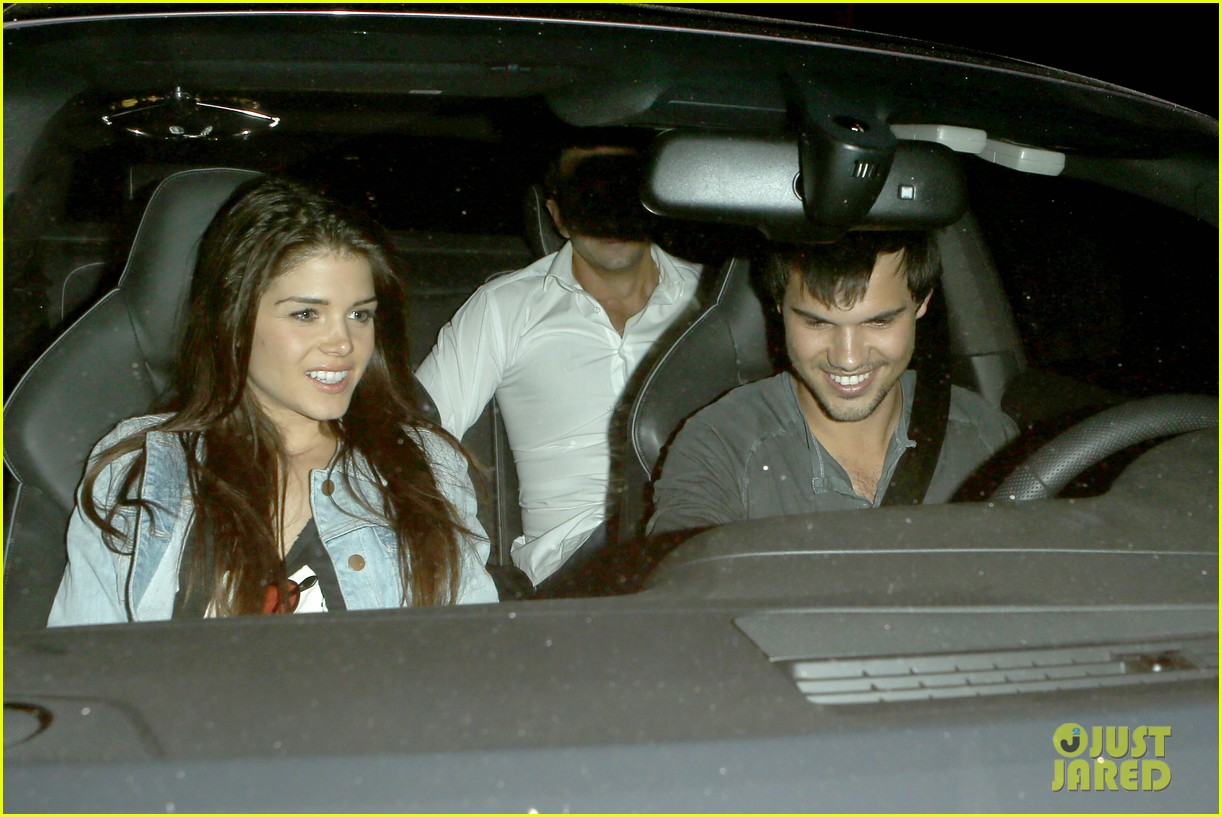 taylor lautner marie avgeropolous look so in love on dinner date 253071955