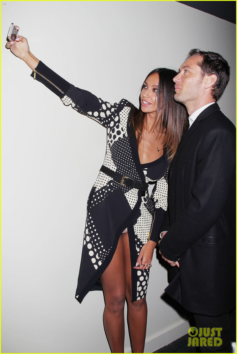 jude law madalina ghenea take a selfie 28