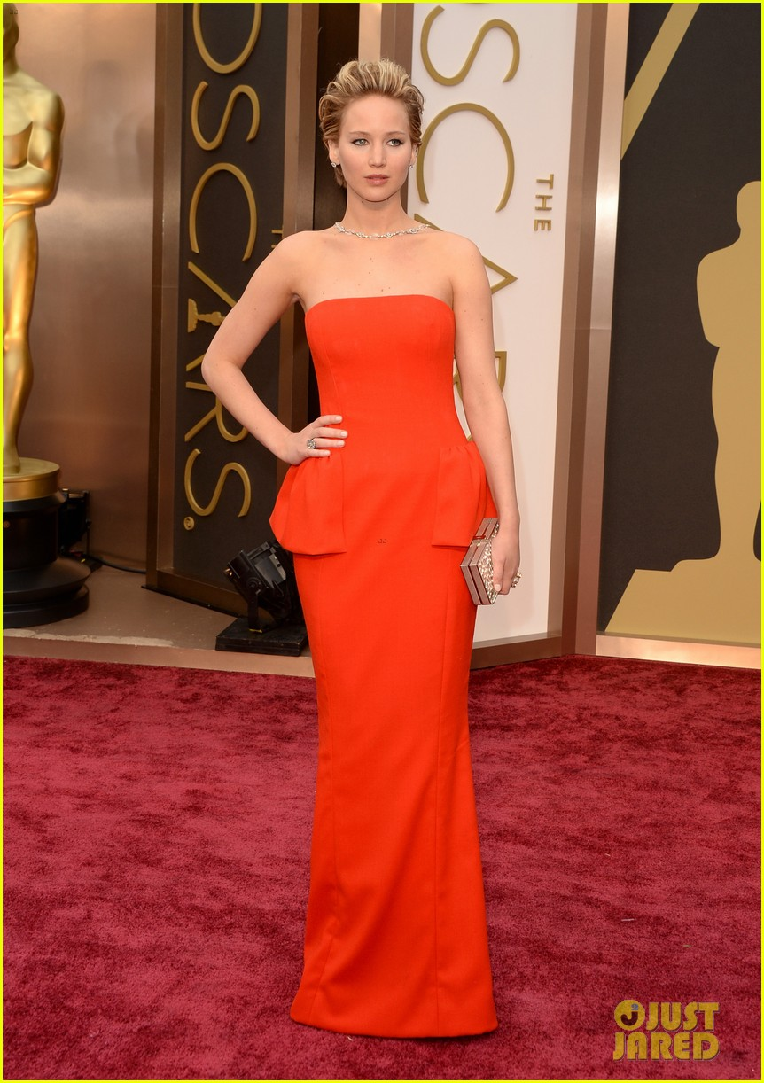 jennifer lawrence oscars 2014 red carpet 063063860