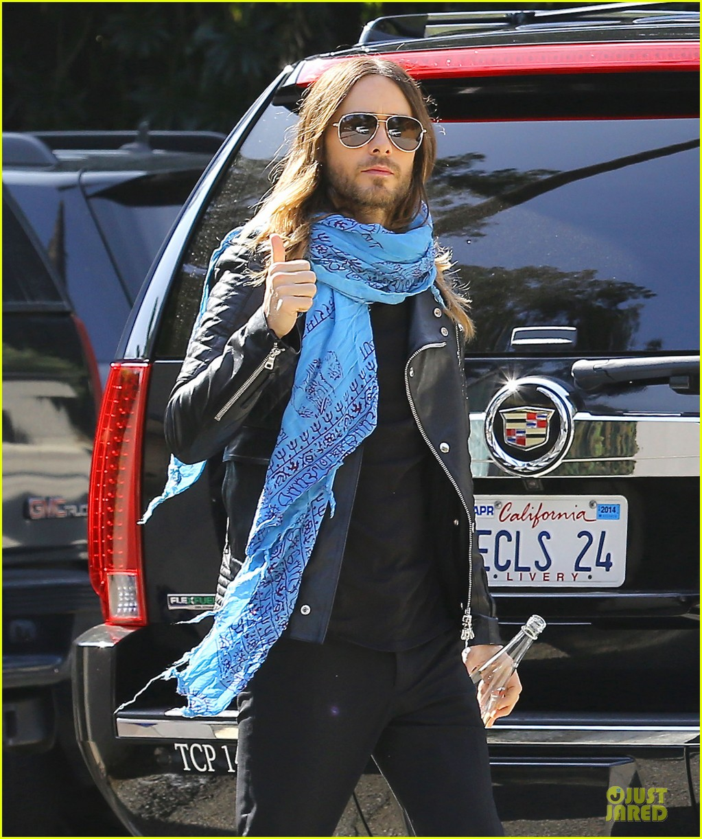 jared leto thumbs up for my best supporting actor oscar win 02