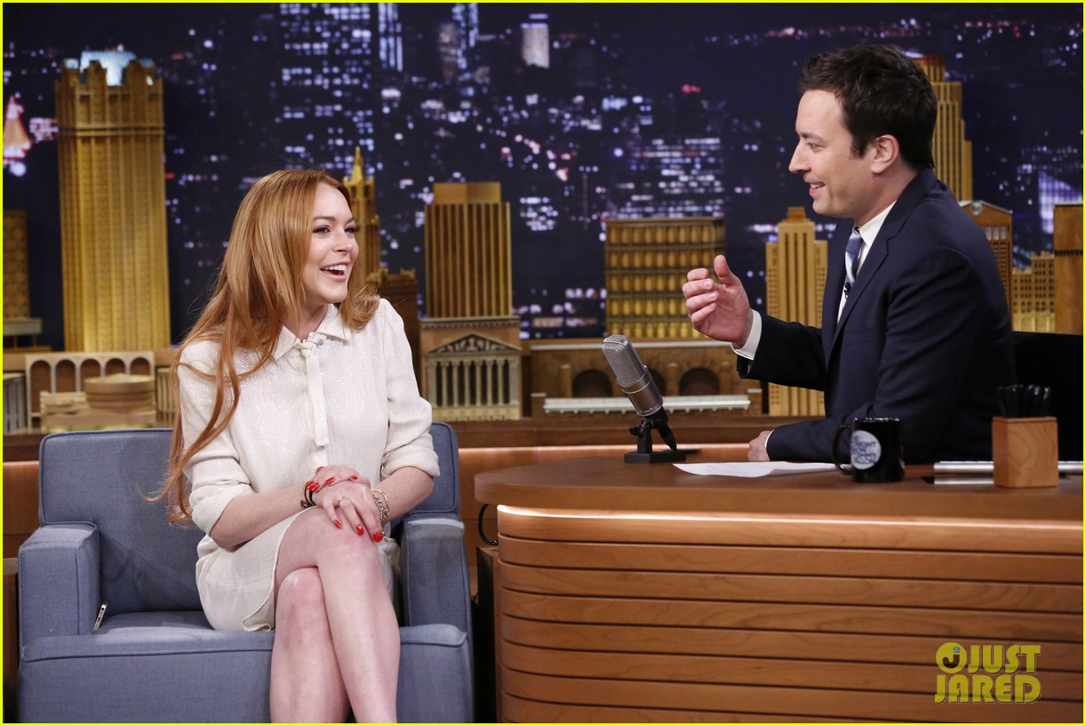 lindsay lohan gets water thrown in her face by jimmy fallon 12