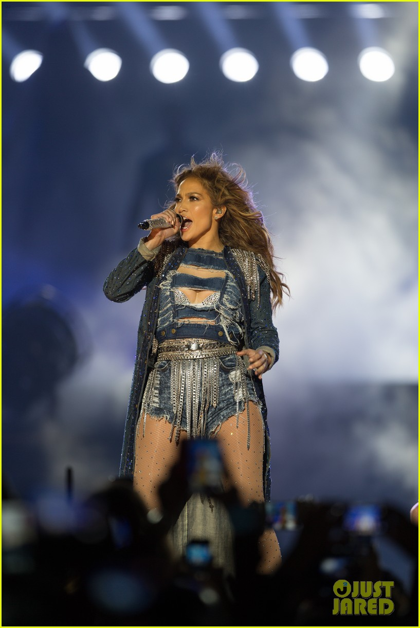 jennifer lopez dubai concert photos 22