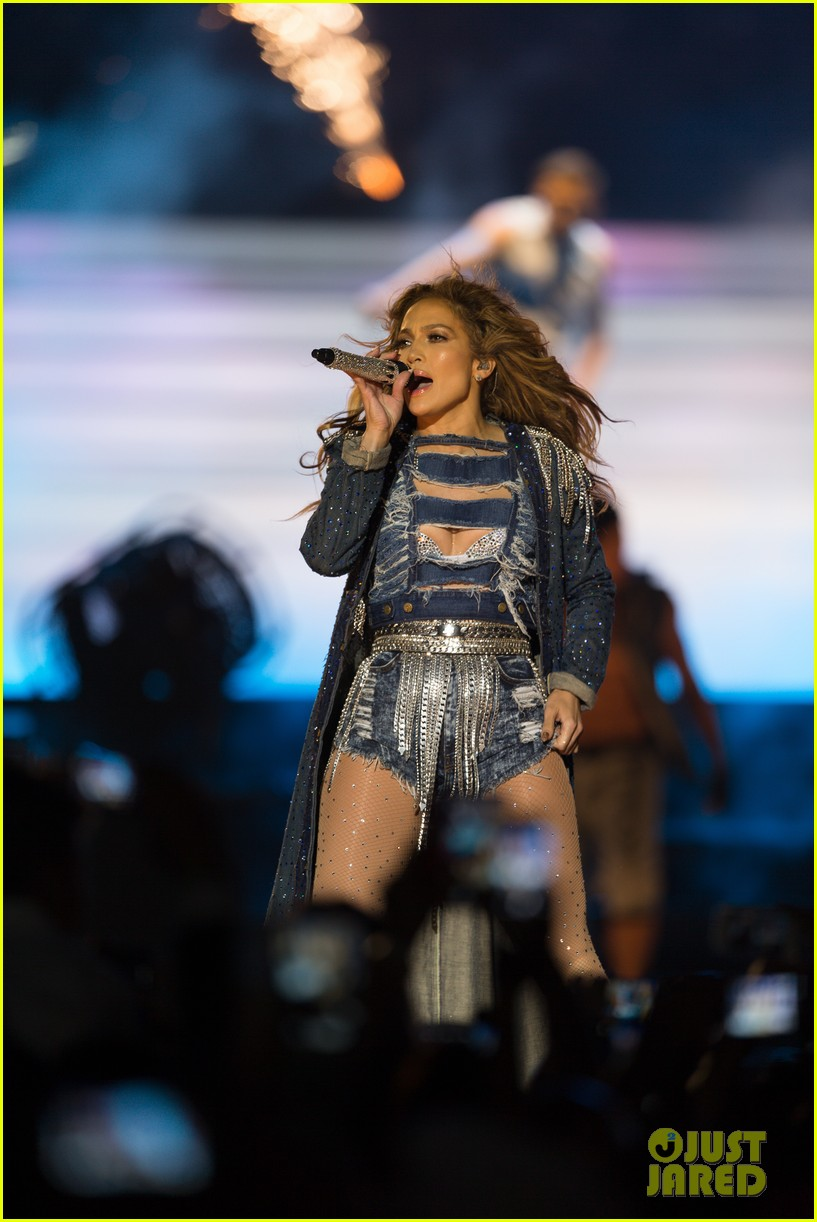 jennifer lopez dubai concert photos 25
