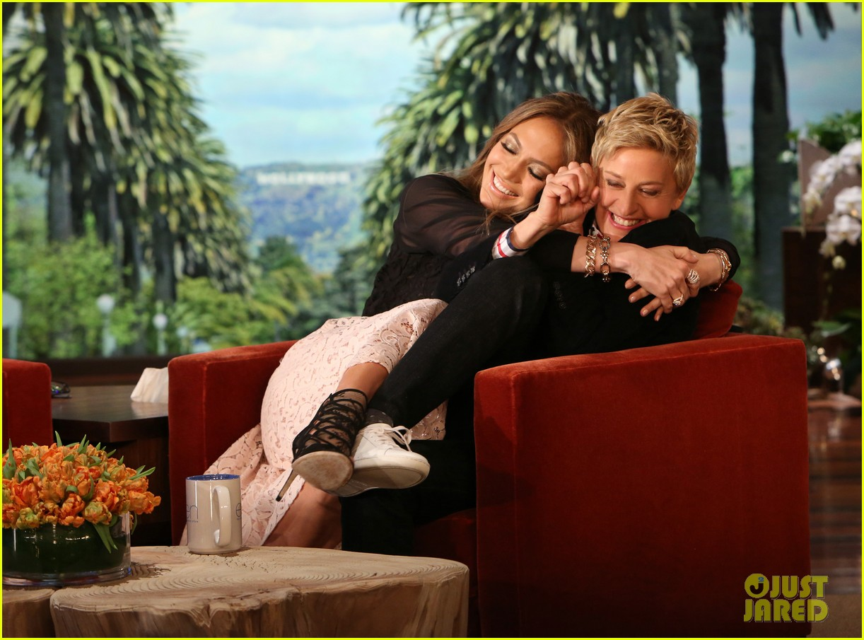 jennifer lopez rubs her germs all over ellen degeneres 02