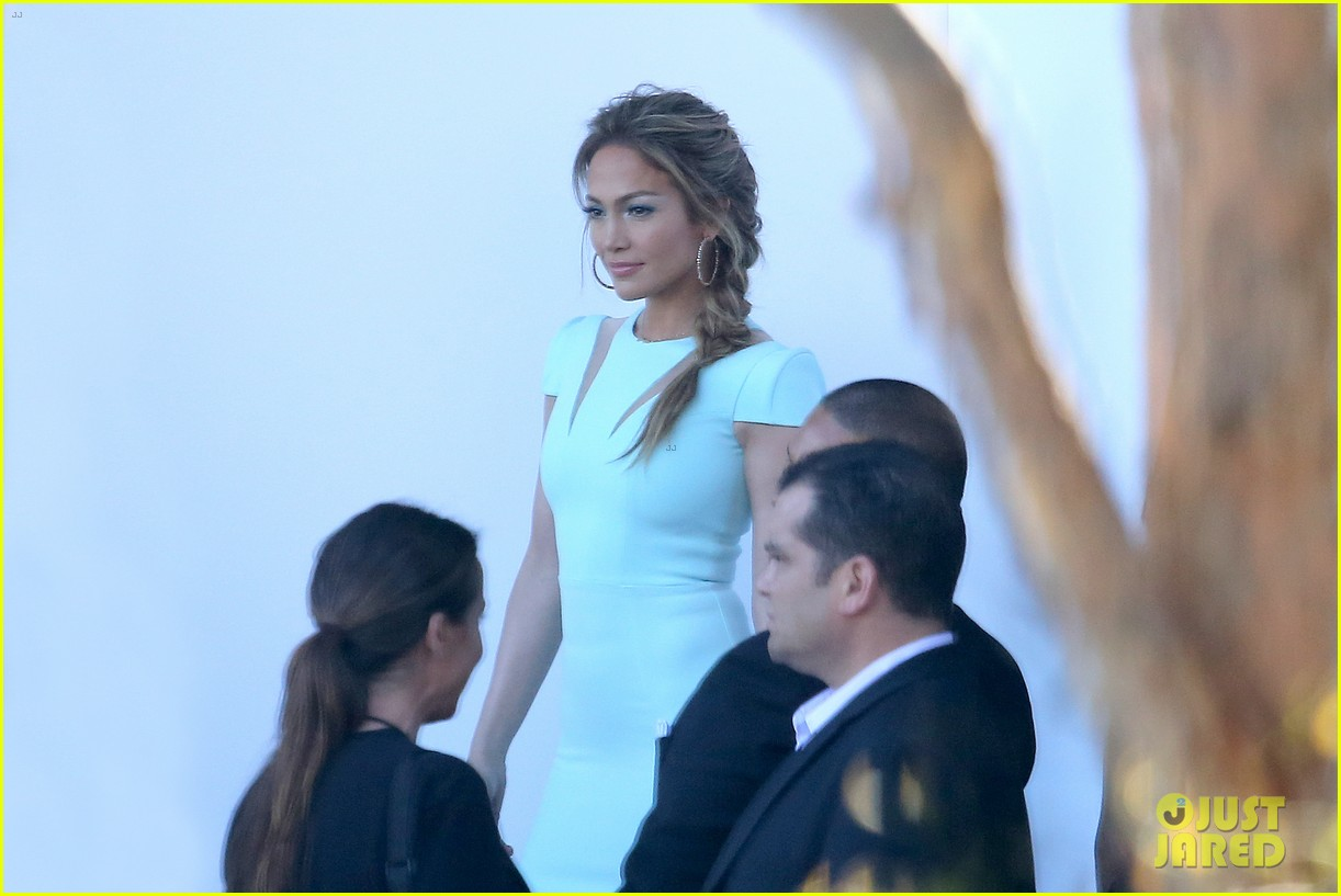 jennifer lopez will perform american idol thursday 163075089