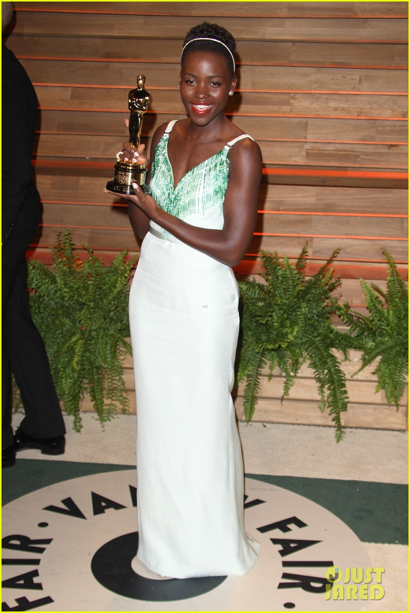 lupita nyongo vanity fair oscars party 2014 113064599