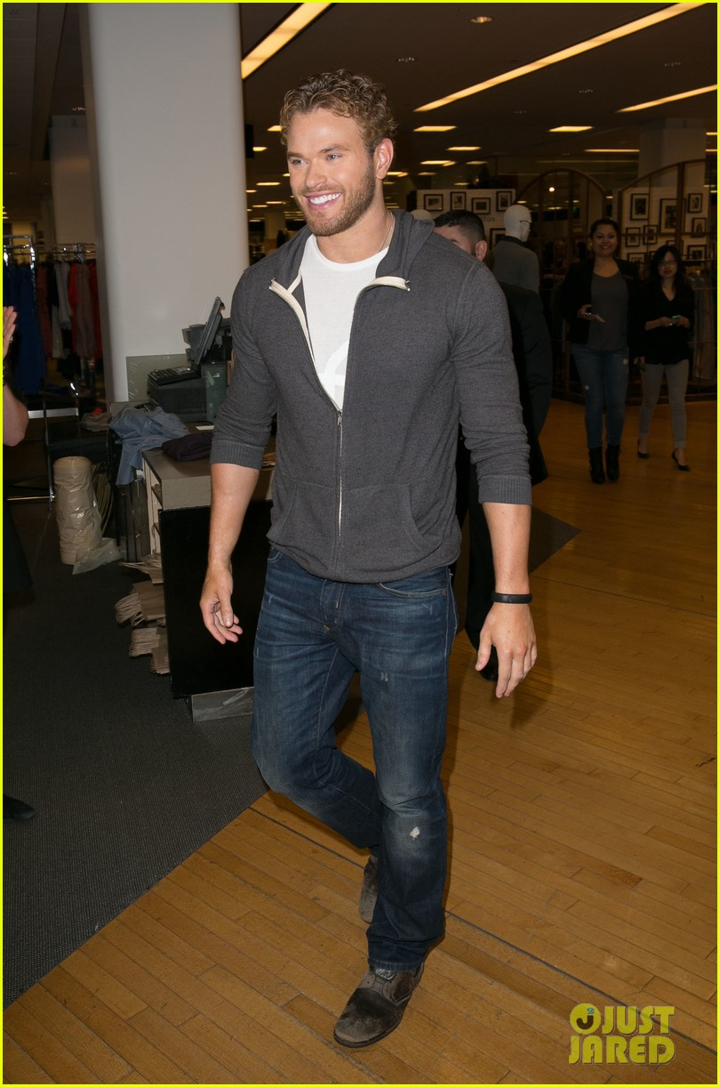 kellan lutz continues birthday celebrations abbot main 01