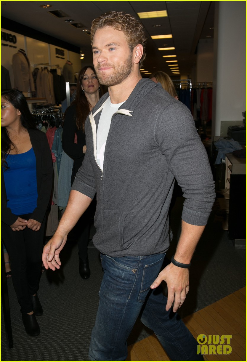 kellan lutz continues birthday celebrations abbot main 09