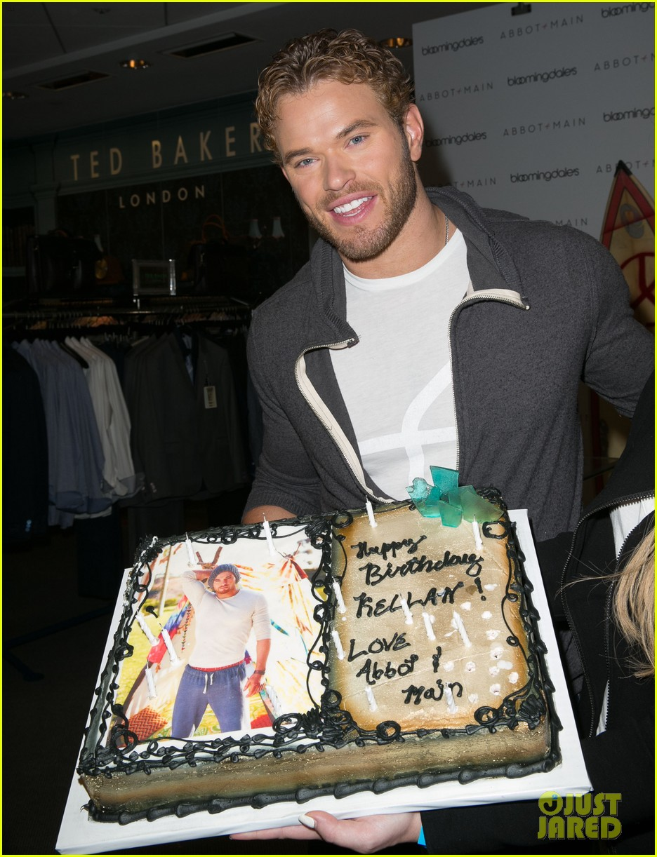 kellan lutz continues birthday celebrations abbot main 233077393