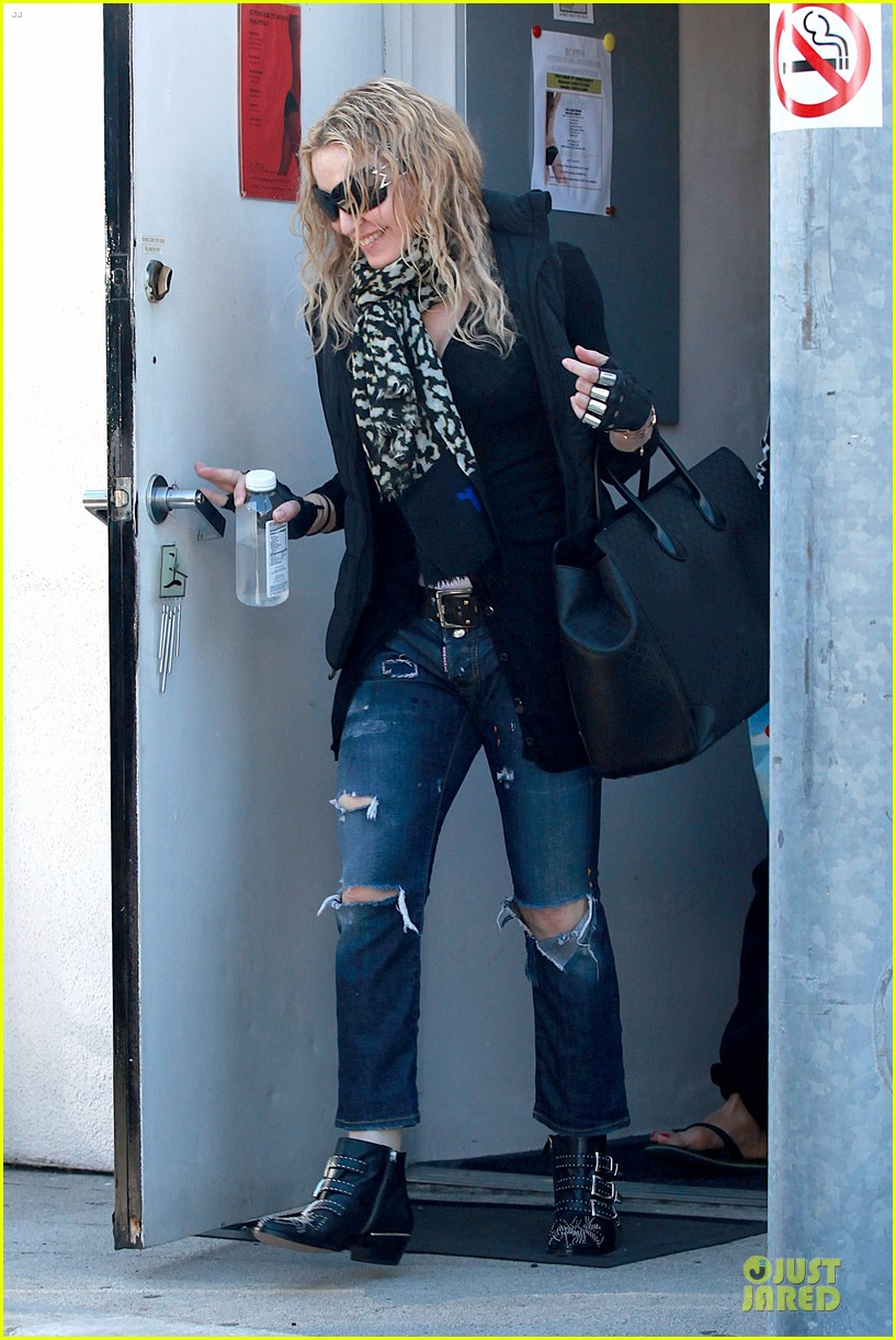 madonna wears metal fingerless gloves 033069507