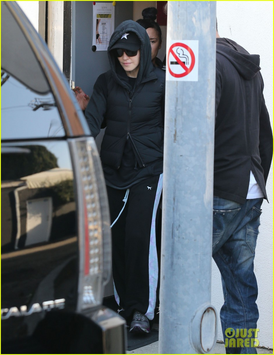 madonna works out after star studded oscars after party 063066412