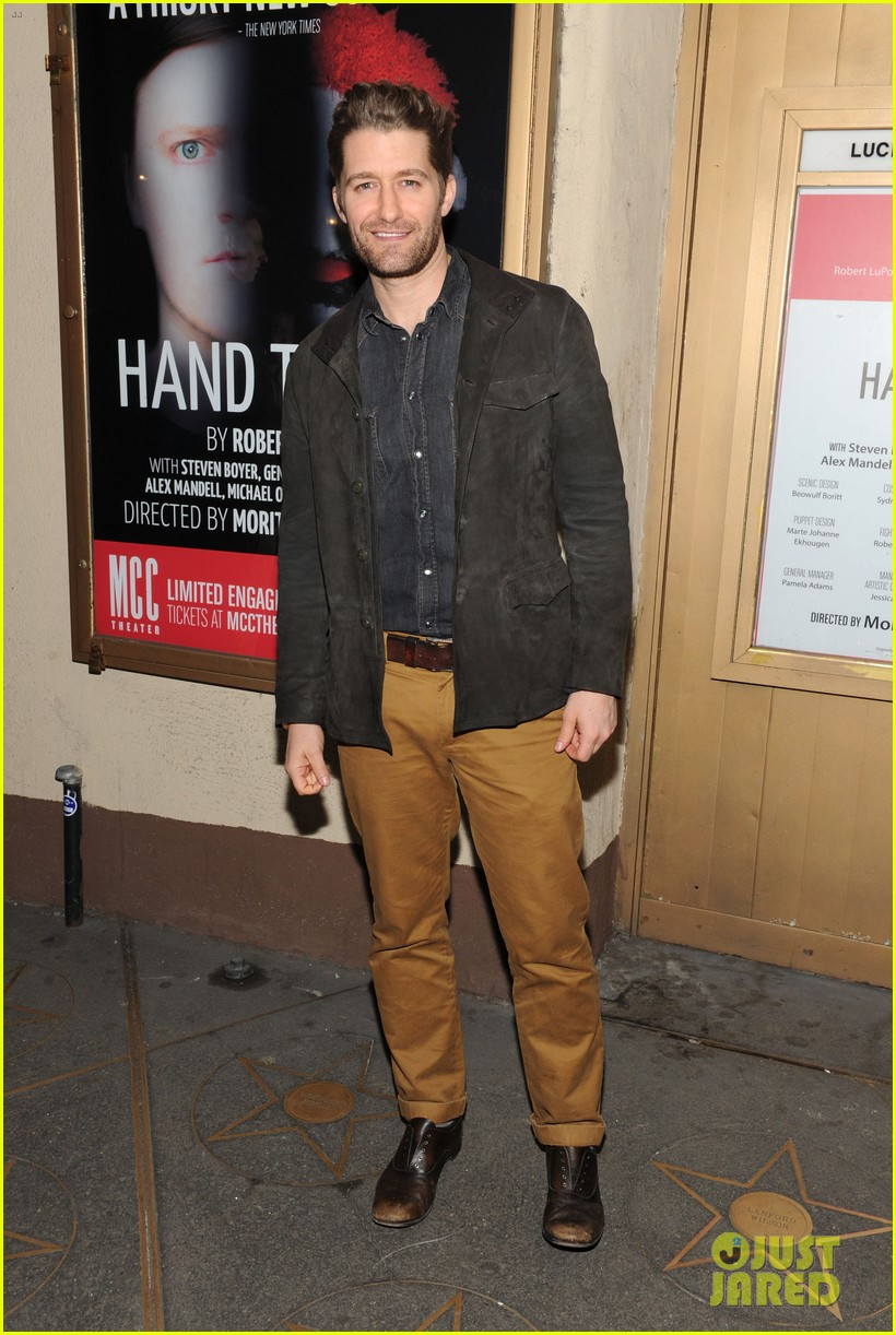 zosia mamet attends hand to god opening night with boyfriend evan jonigkeit 02