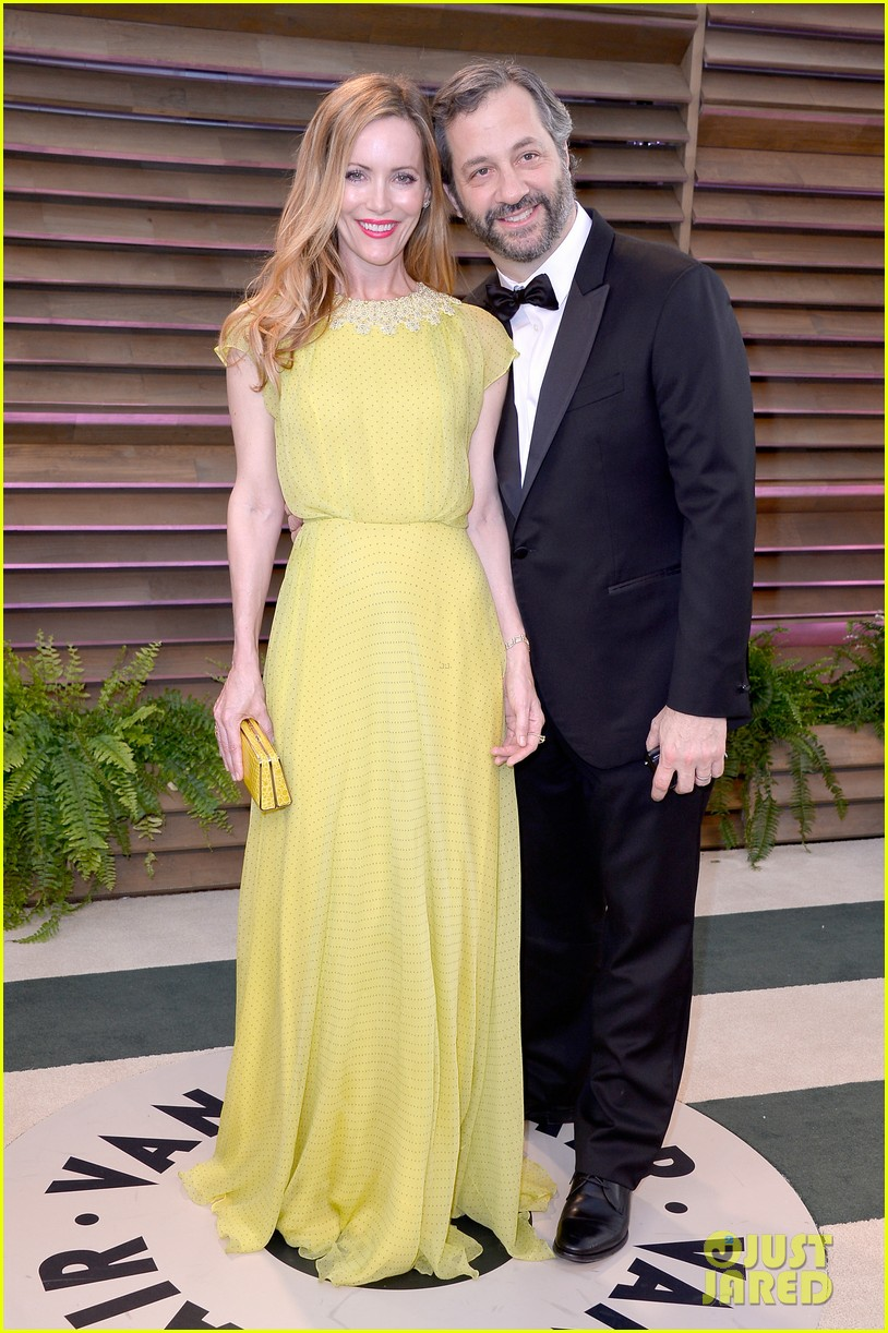 leslie mann judd apatow look so happy at vanity fair oscars party 2014 053064257
