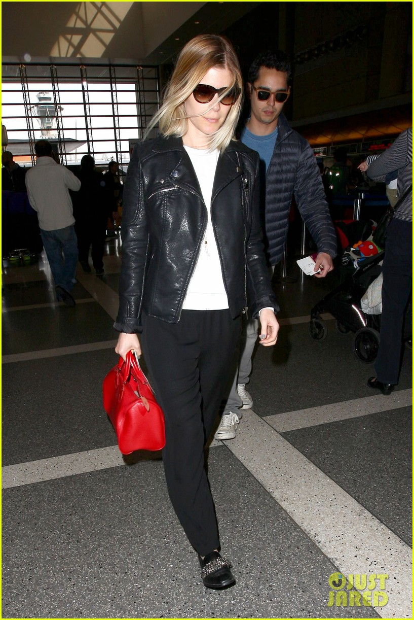 kate mara max minghella jet out of los angeles 113066068