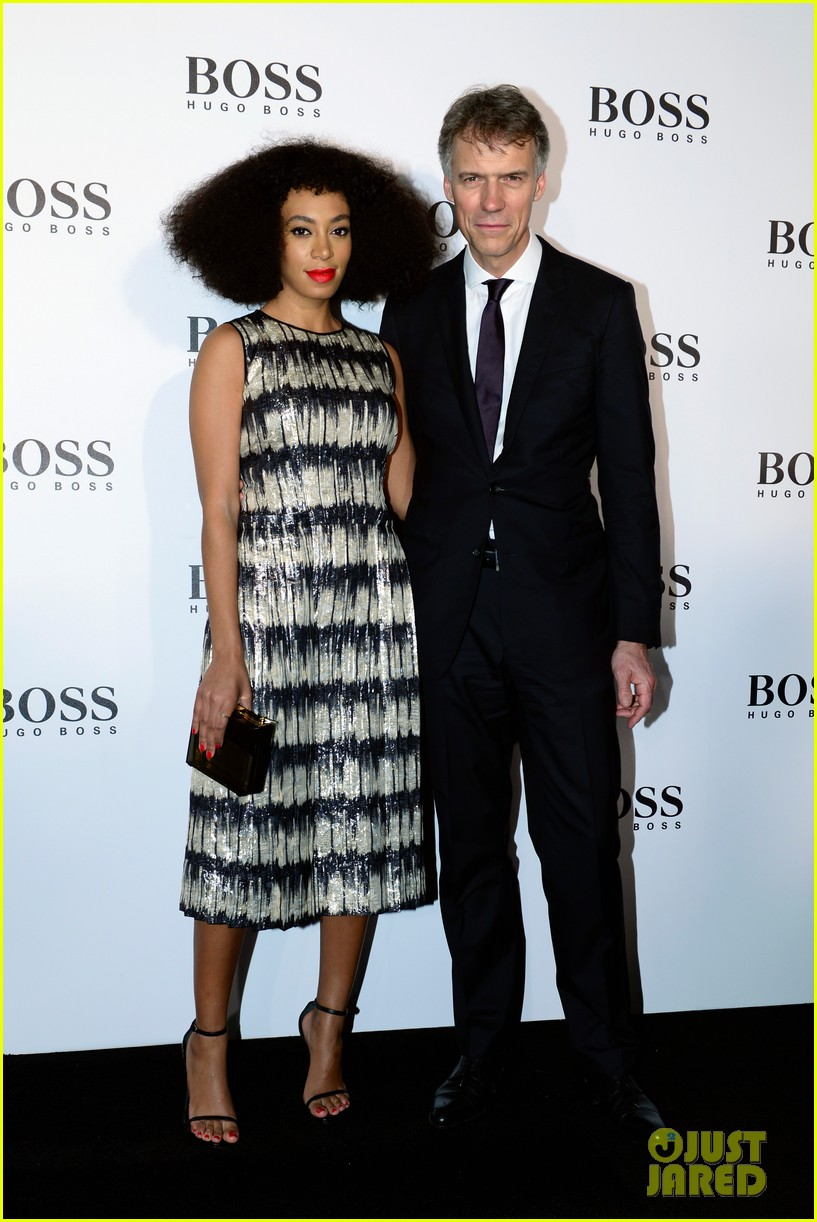 margot robbie helps jason wu celebrate his big night for hugo boss 01