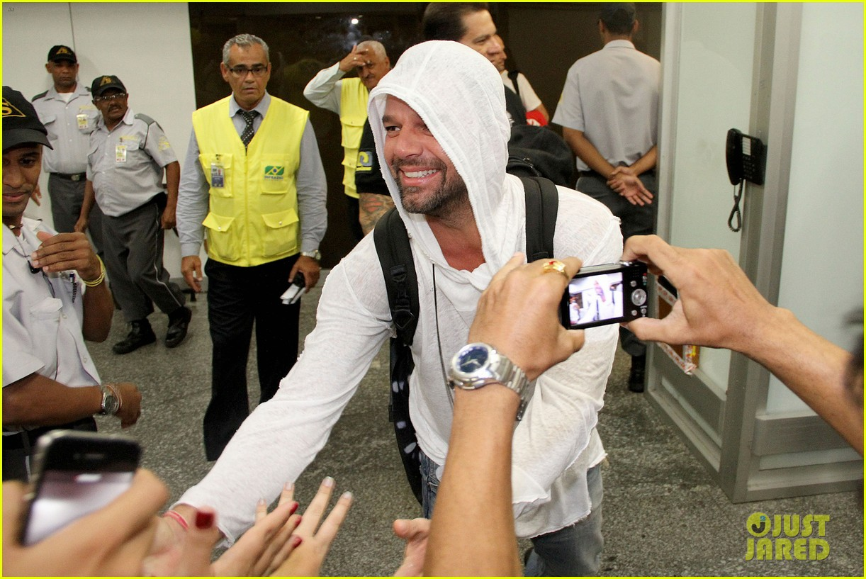 ricky martin to fans you deserve to be happy 13