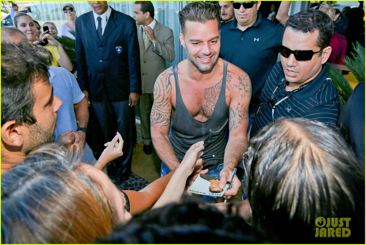 ricky martin films music video for world cup 123070322