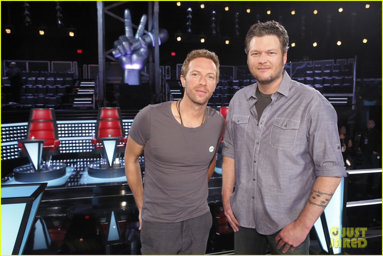 chris martin helps coaches on the voice 04