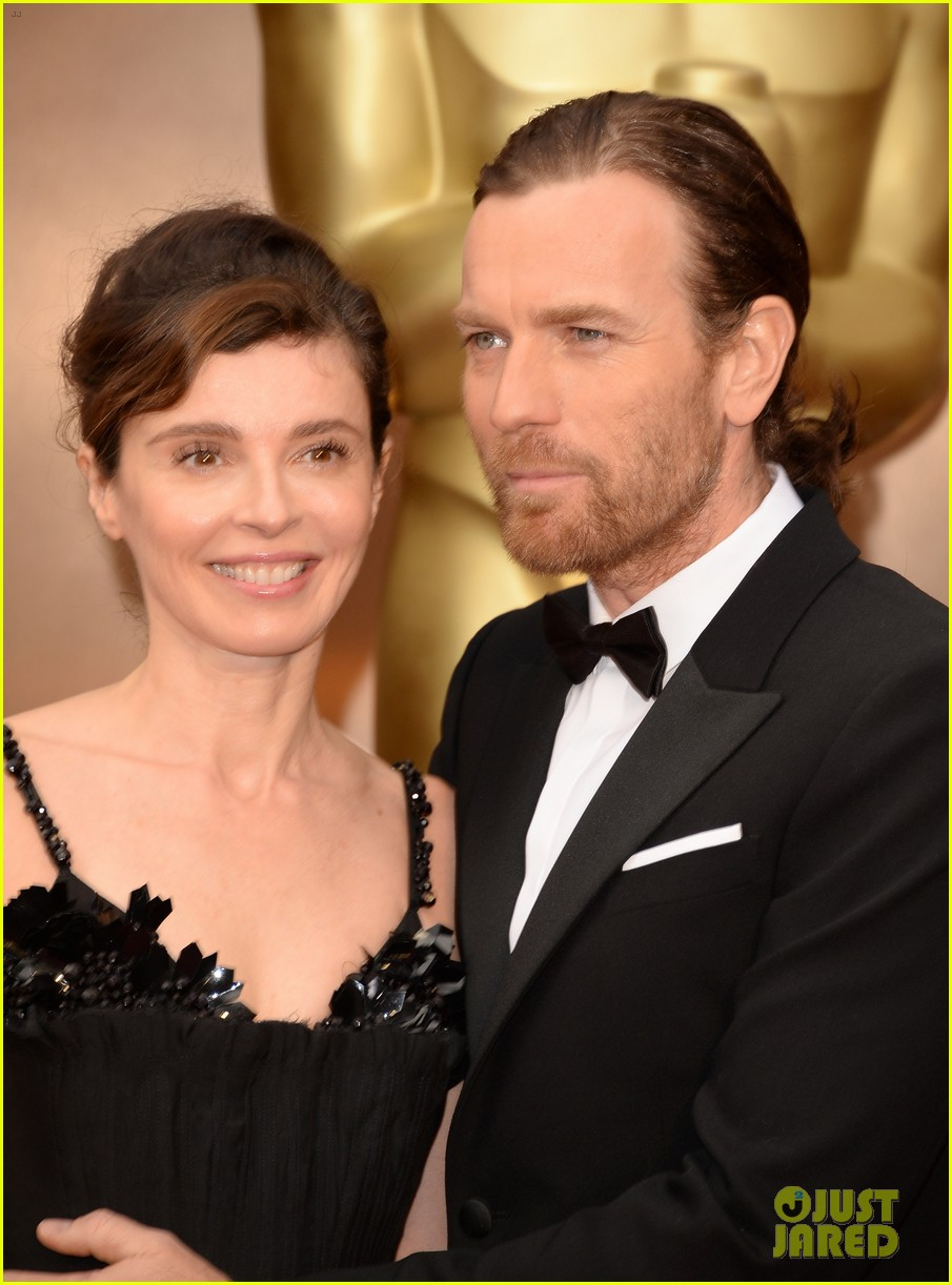 ewan mcgregor attends oscars 2014 with wife eve mavrakis 04