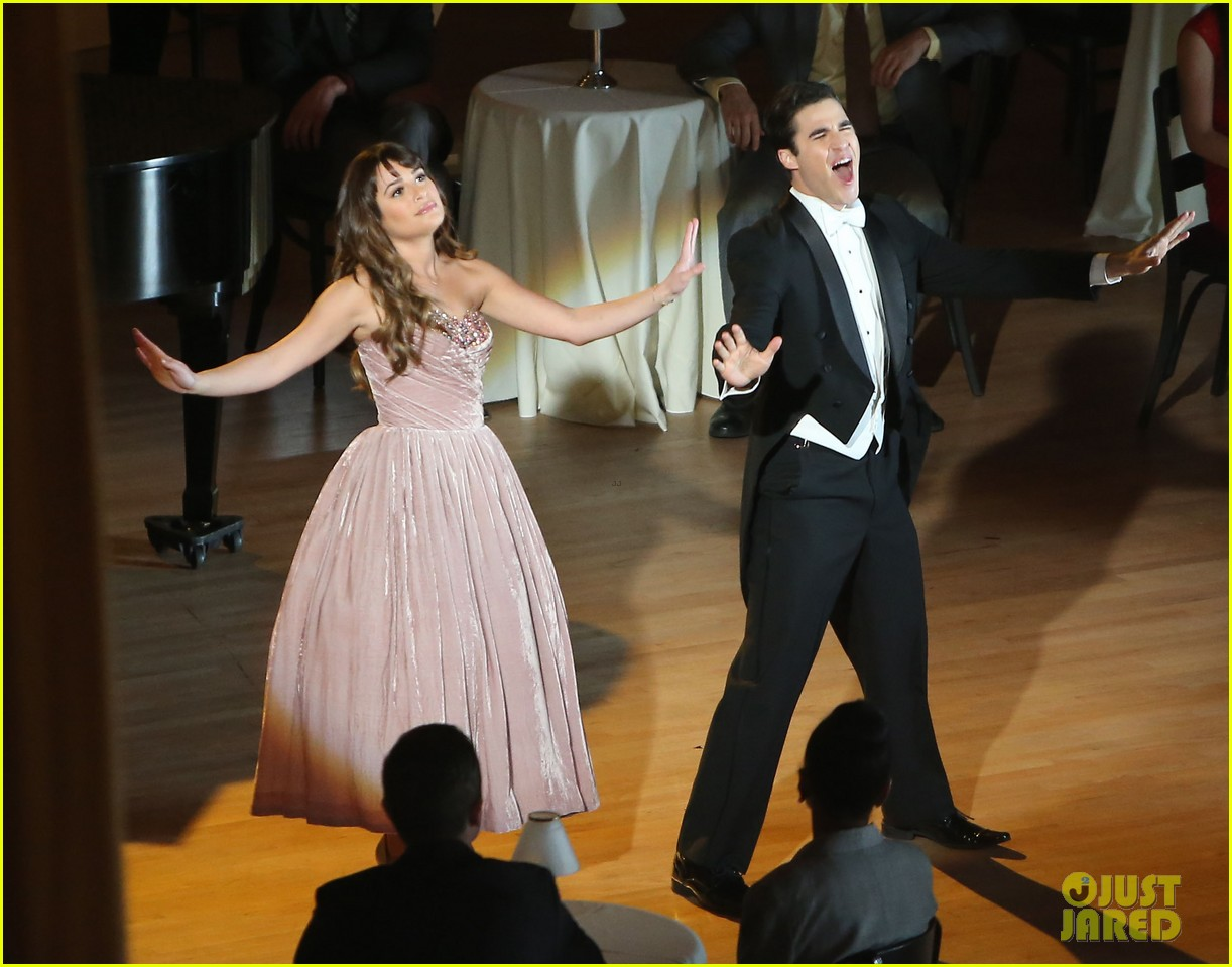 lea michele darren criss classic broadway number glee 16