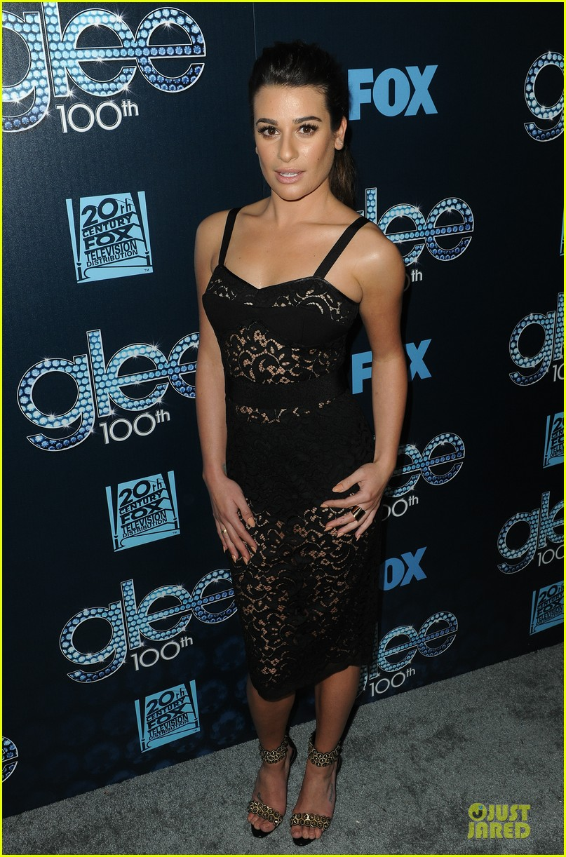 lea michele show off their assets at glee 093074497
