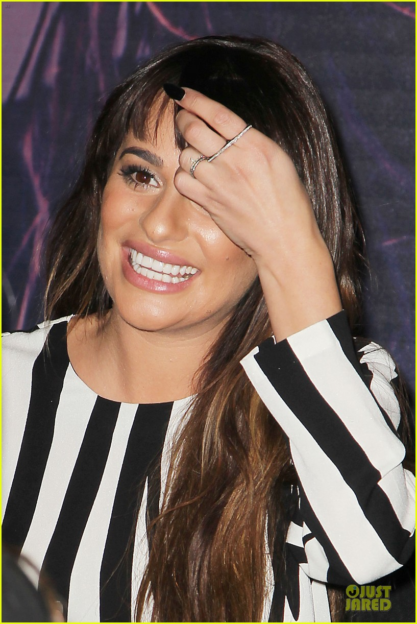 lea michele performs cannonball on tonight show 17