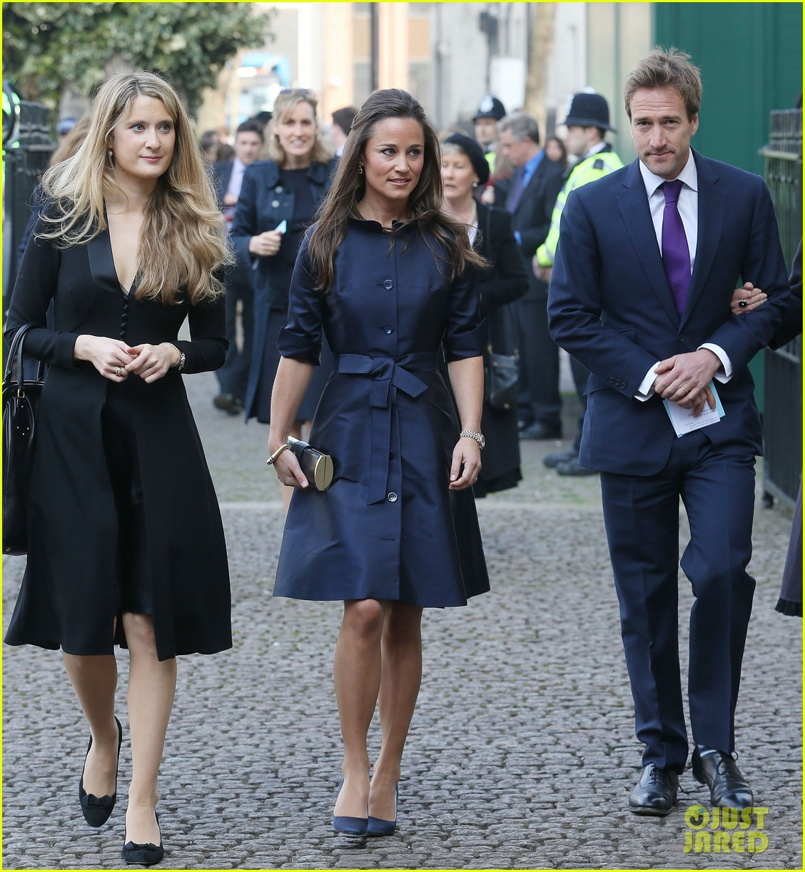 sienna miller pippa middleton attend david frosts memorial service 013071330