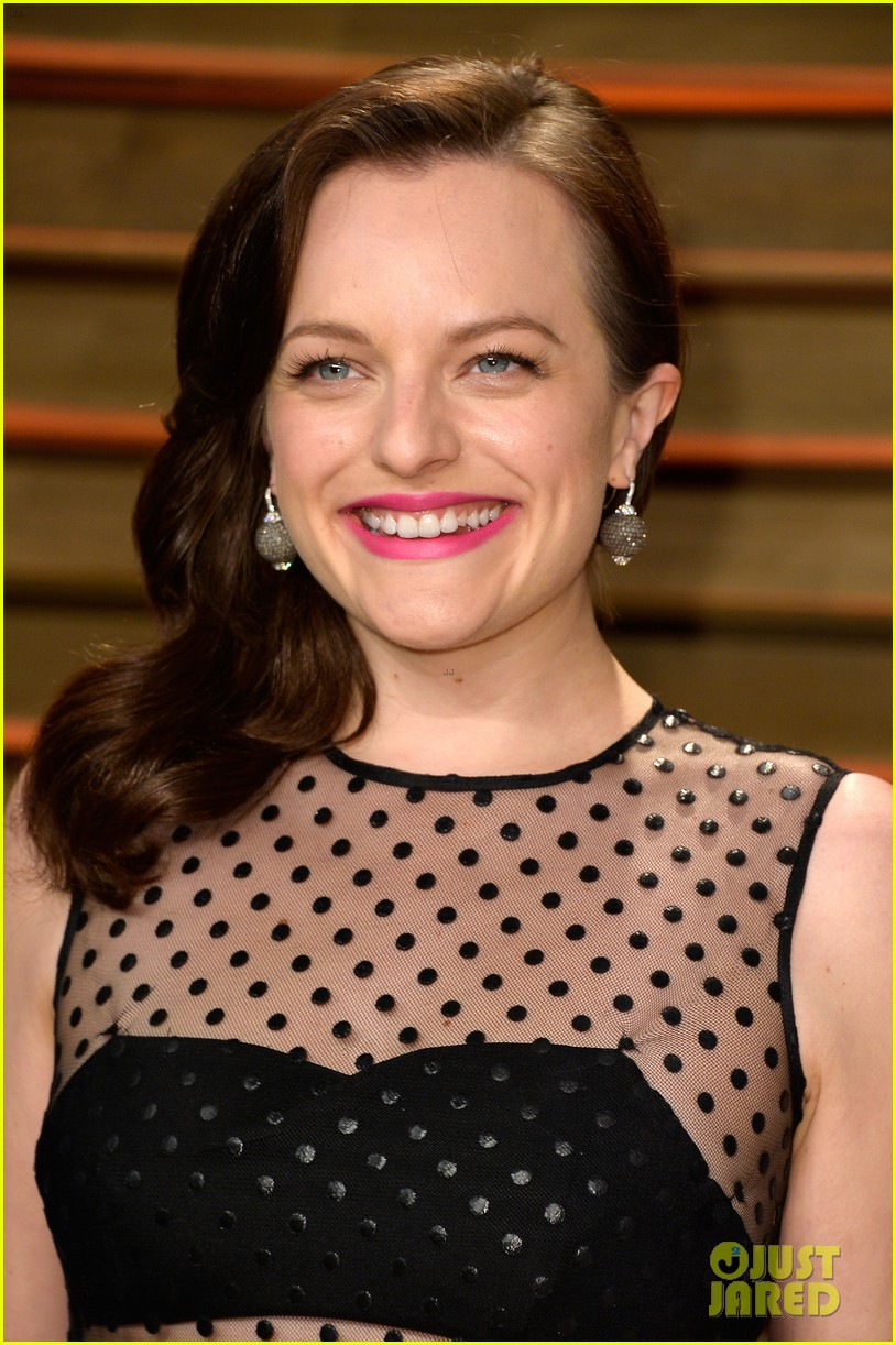 elisabeth moss rashida jones vanity fair oscar party 2014 043064663