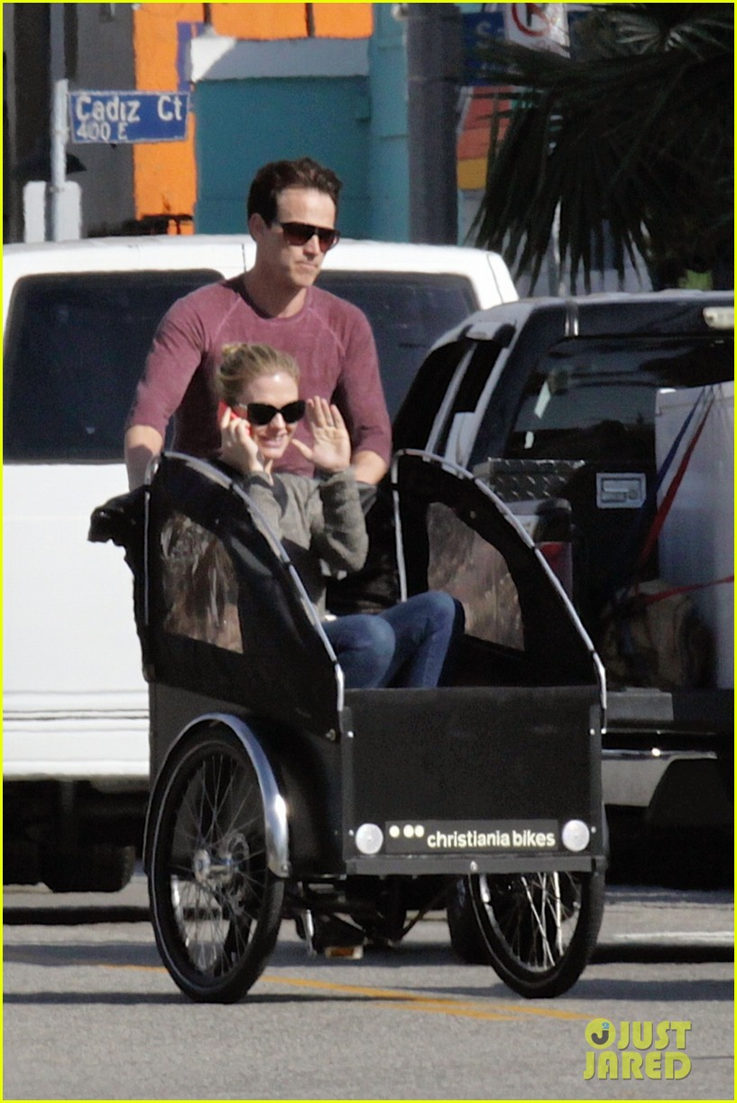 stephen moyer is quite the chauffeur peddles anna paquin in their twins bike carrier 01