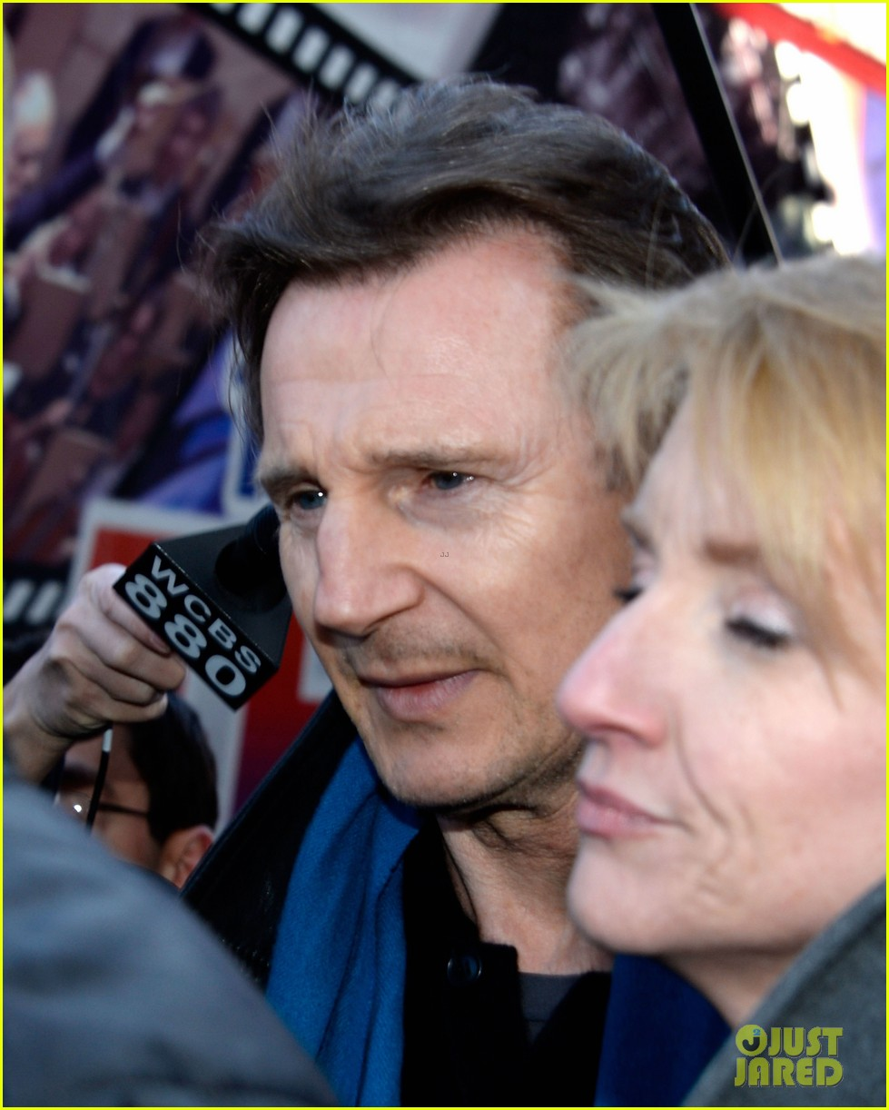 liam neeson horse drawn carriage support 04