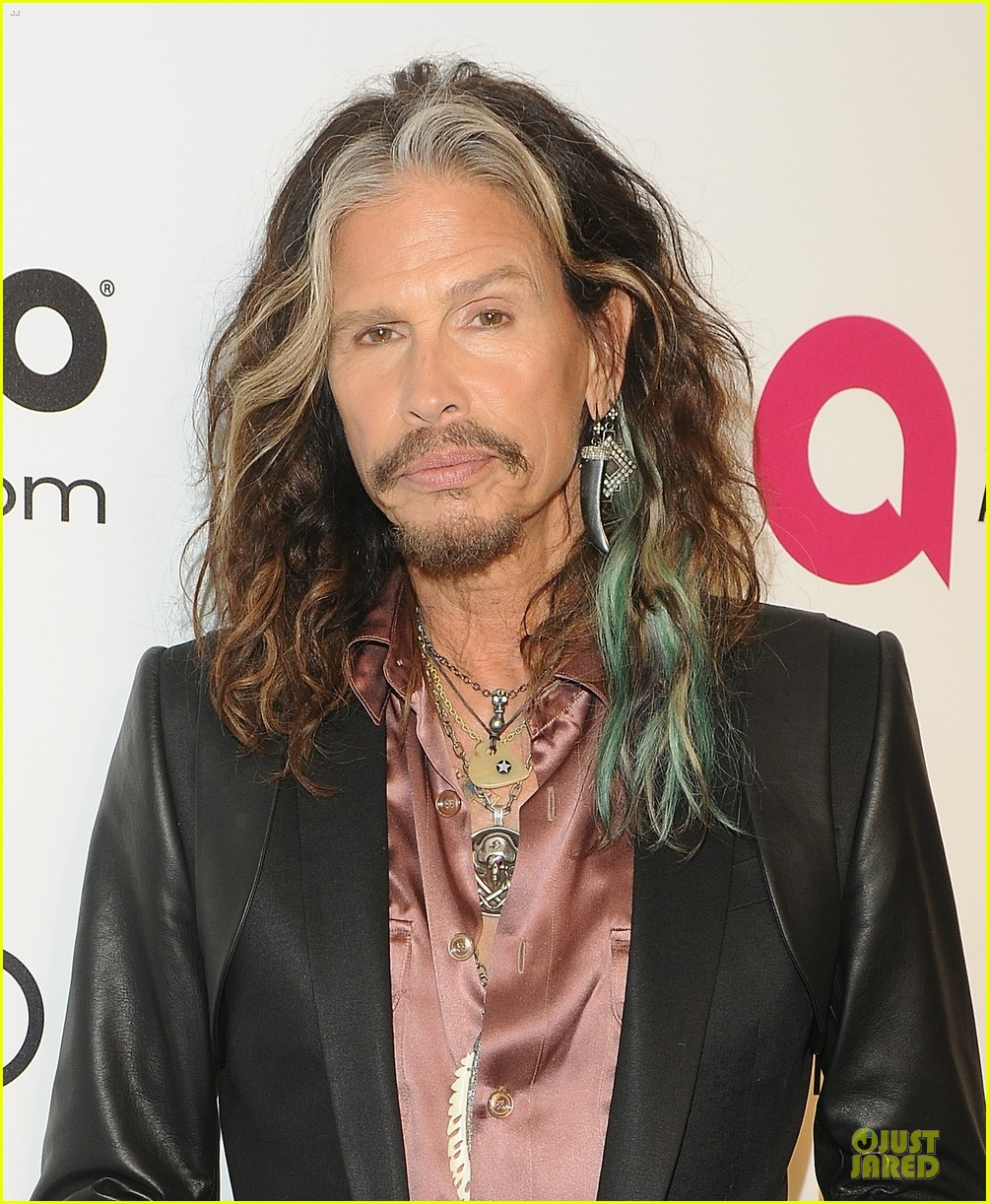 robert de niro steven tyler have contrasting styles at elton john oscars party 2014 073065074