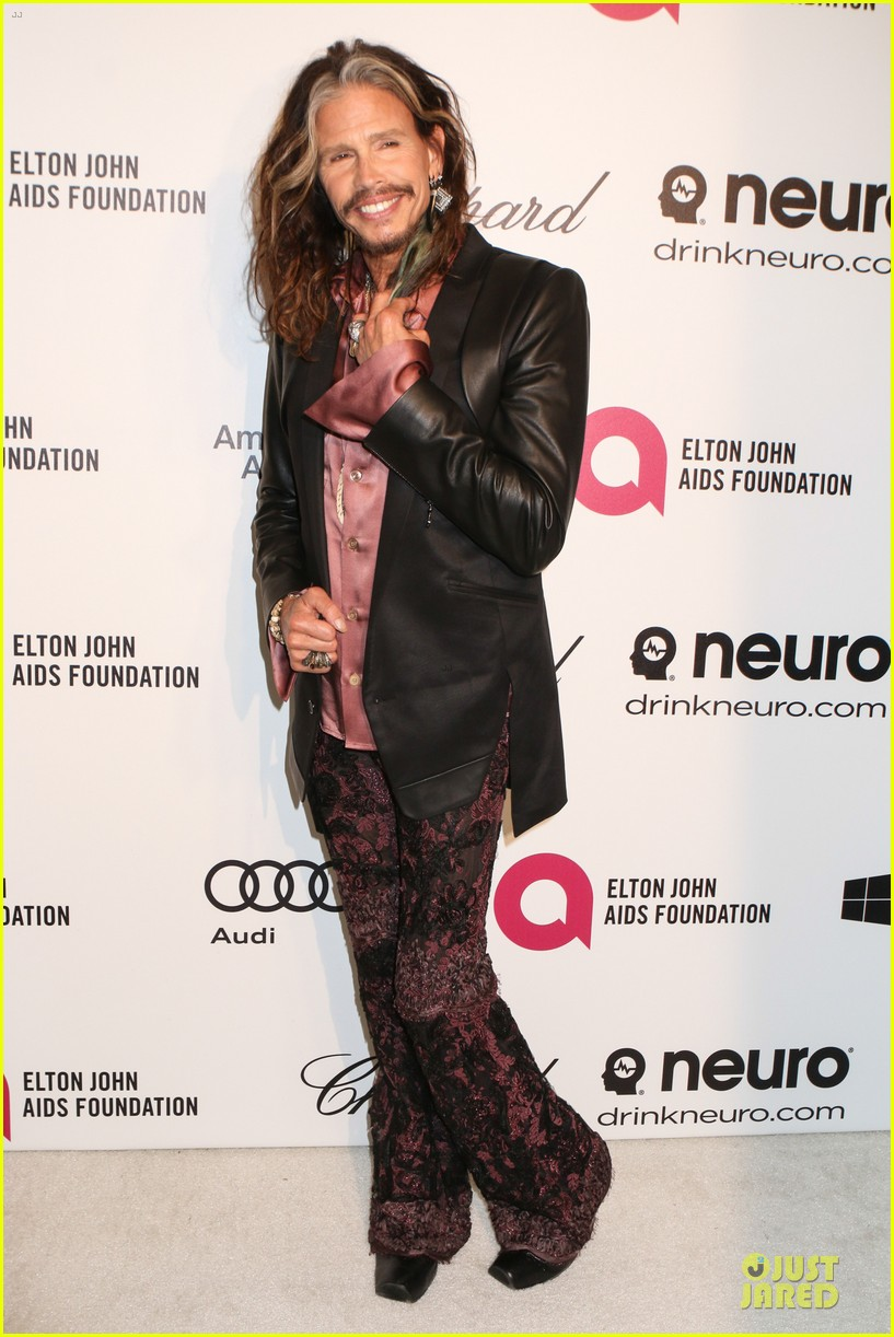 robert de niro steven tyler have contrasting styles at elton john oscars party 2014 09