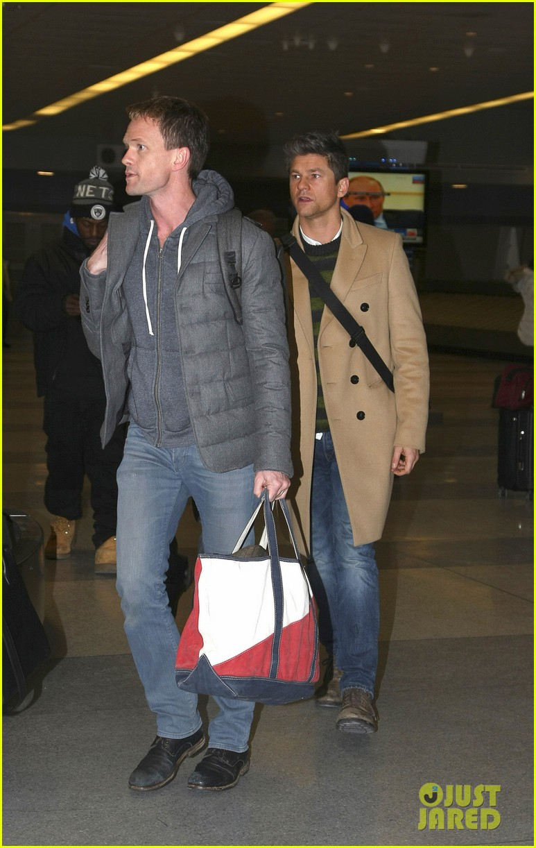 neil patrick harris david burtka head to new york for good 013066821