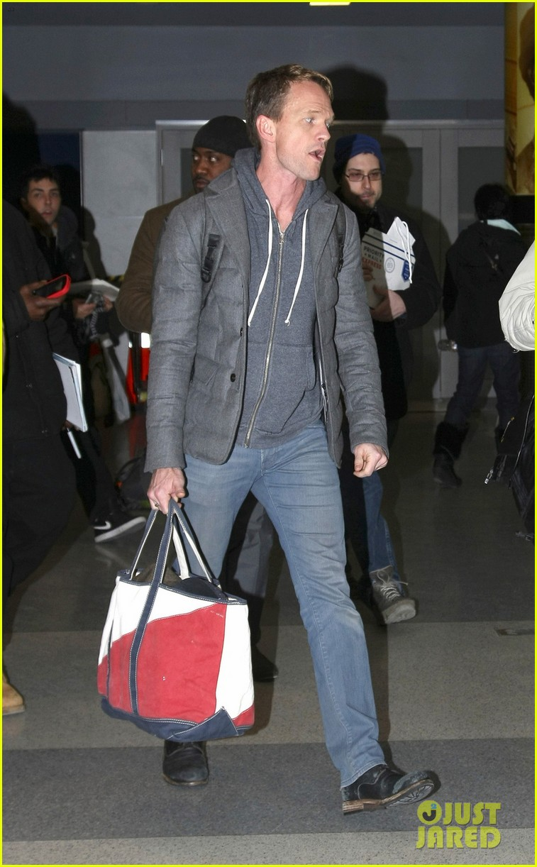 neil patrick harris david burtka head to new york for good 023066822