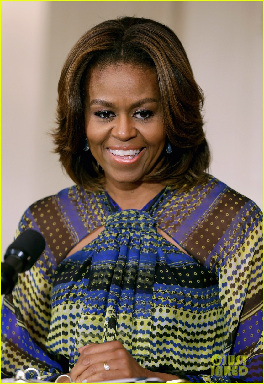 michelle obama hosts women in music function president obama misspells respect 063067765