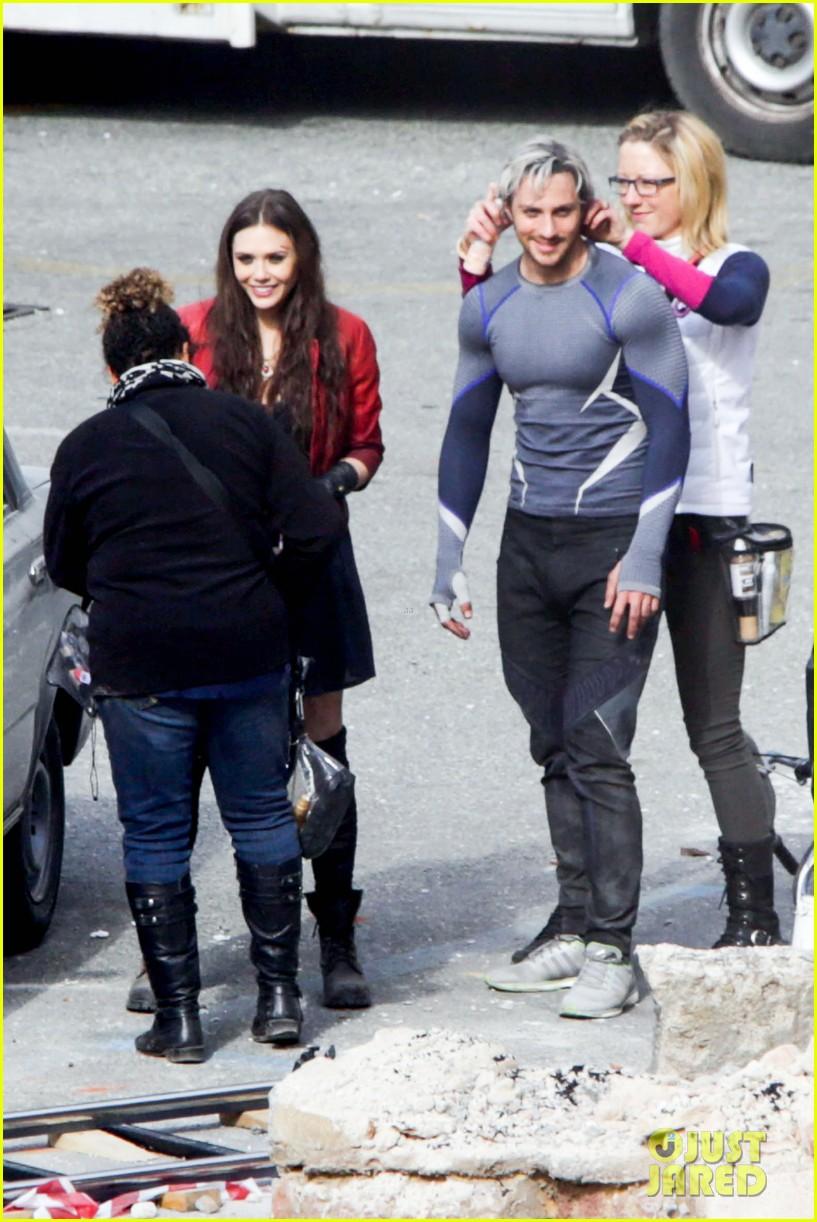 elizabeth olsen aaron taylor johnson more action packed avengers 2 pics 01