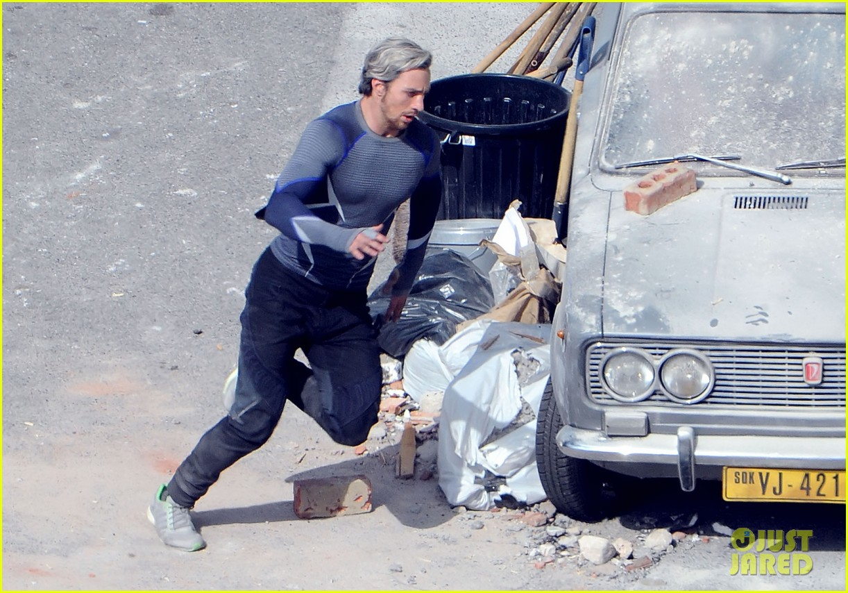elizabeth olsen aaron taylor johnson get touched up avengers 193079060
