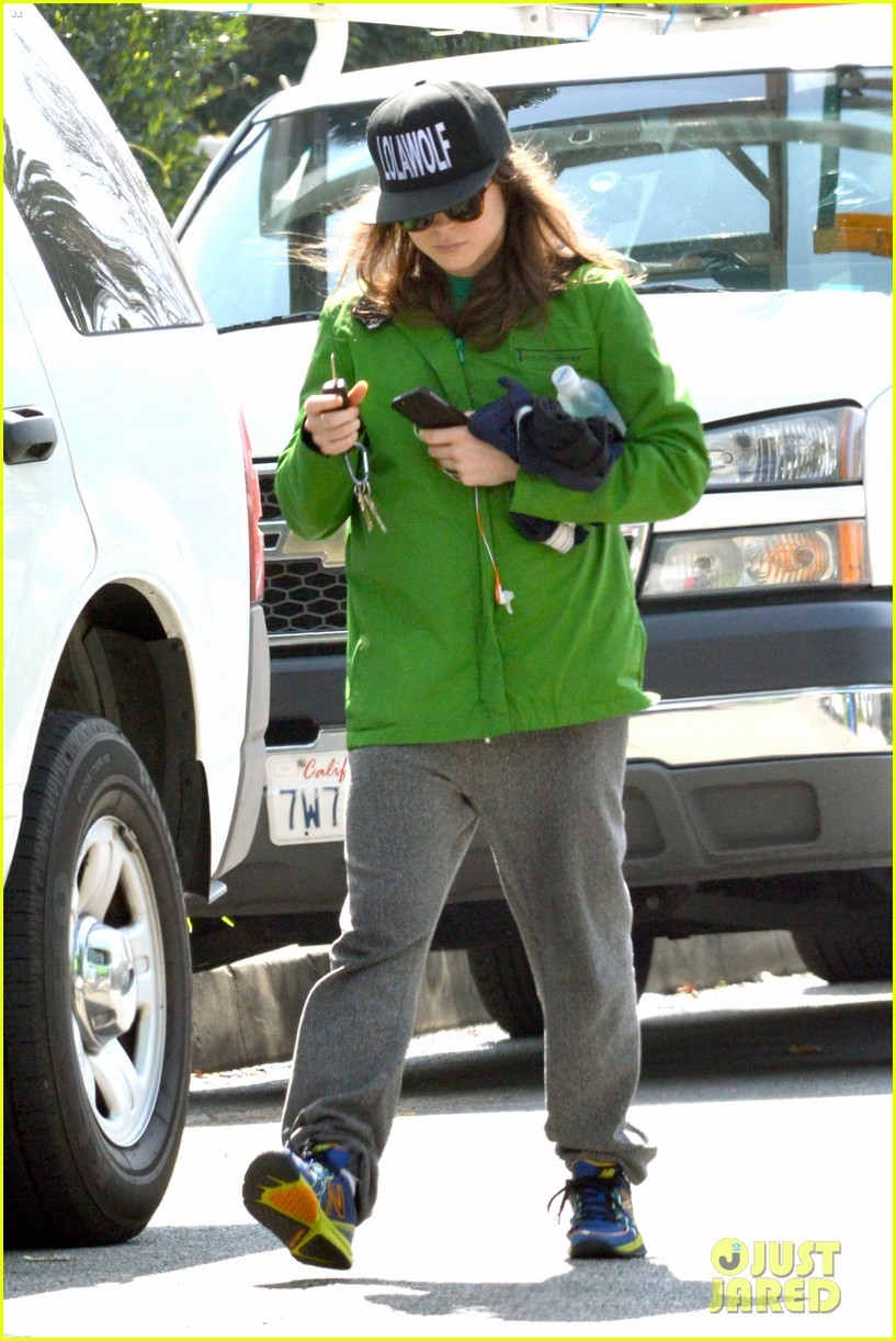 ellen page says she eats so she can poop 04