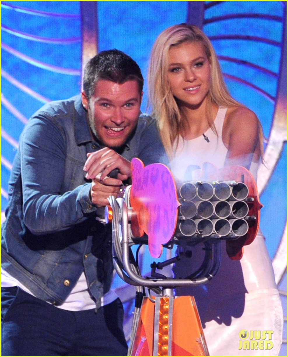 nicola peltz jack reynor kids choice awards 2014 04