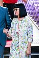 katy perry excites australian fans with her colorful spirit 11
