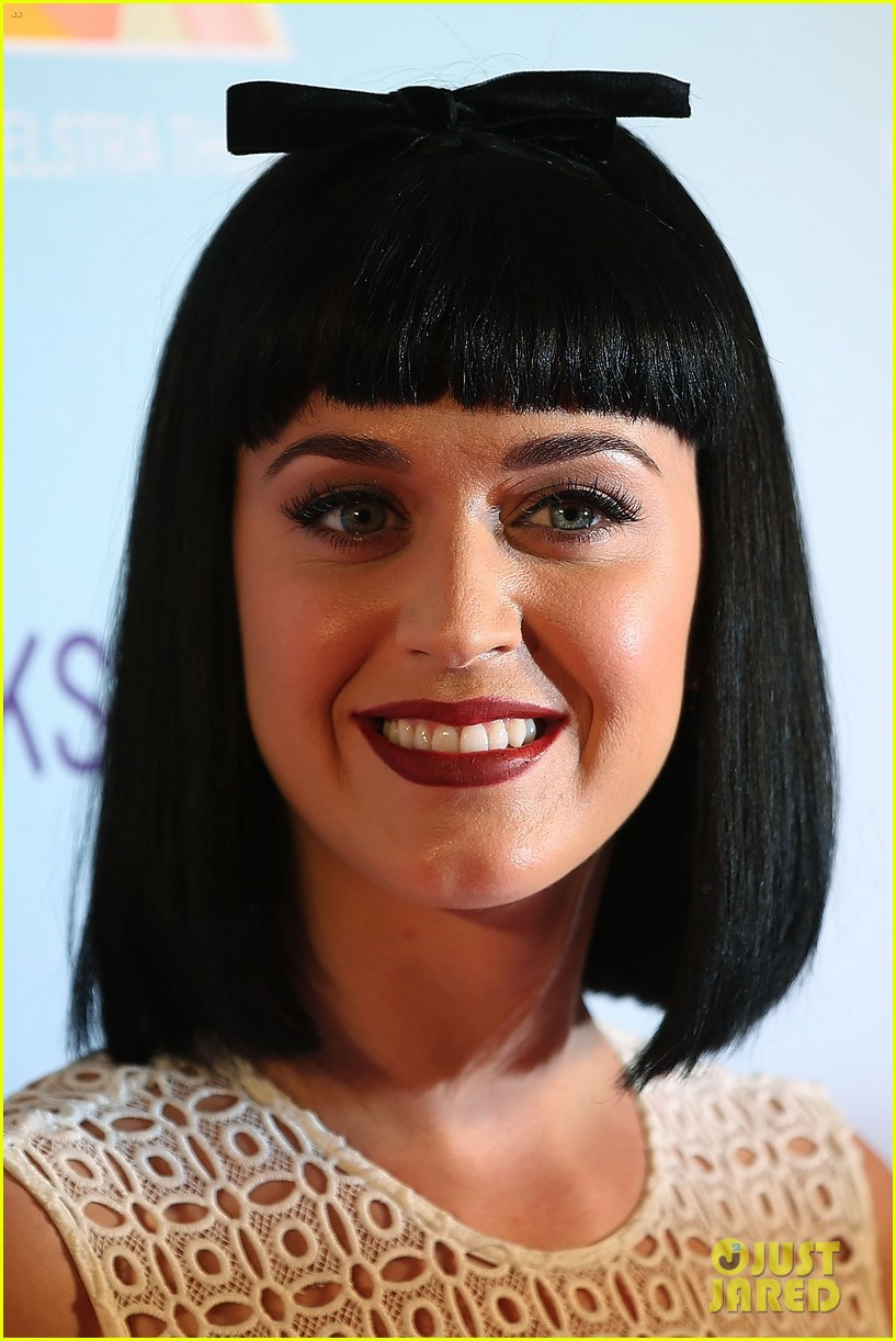 katy perry releases new dark horse remix for japan listen now 11