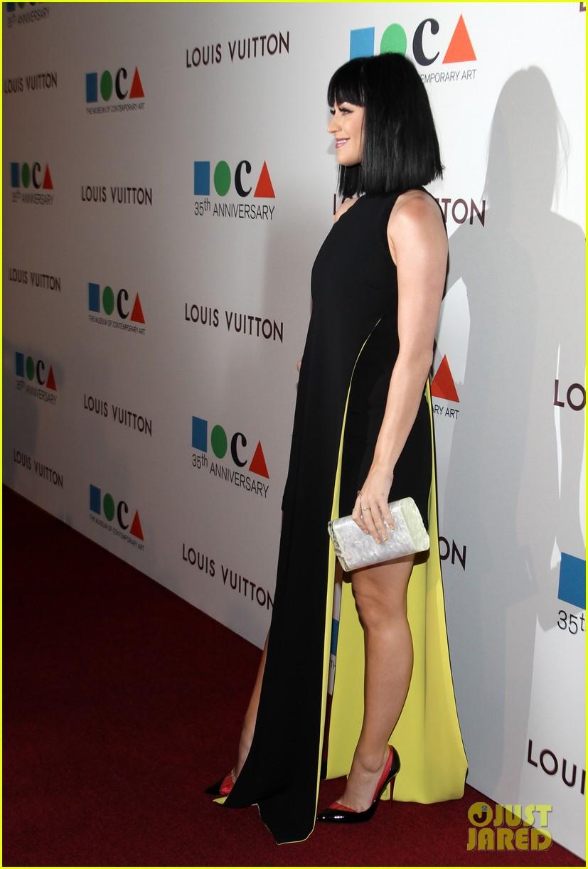 katy perry keeps it simple in black at moca gala 2014 033081369