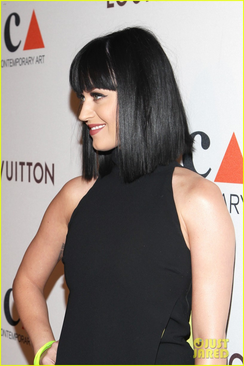 katy perry keeps it simple in black at moca gala 2014 103081376
