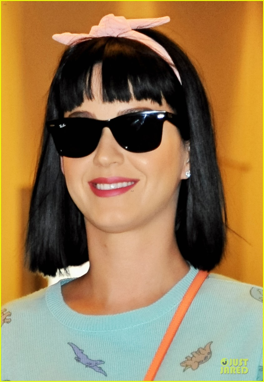 katy perry flashes happy smile after reported john mayer split 093062738