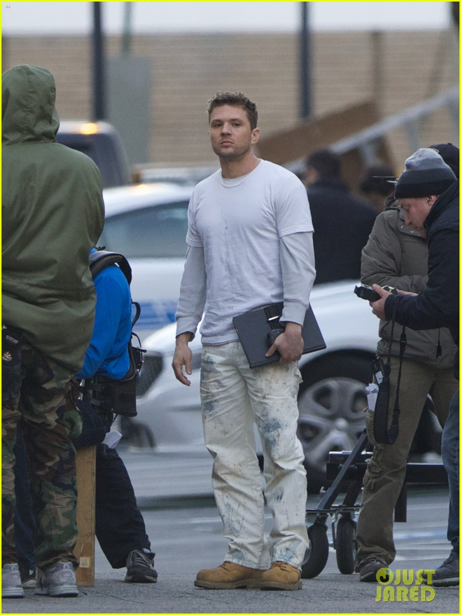 ryan phillippe films new pilot too many layers 01
