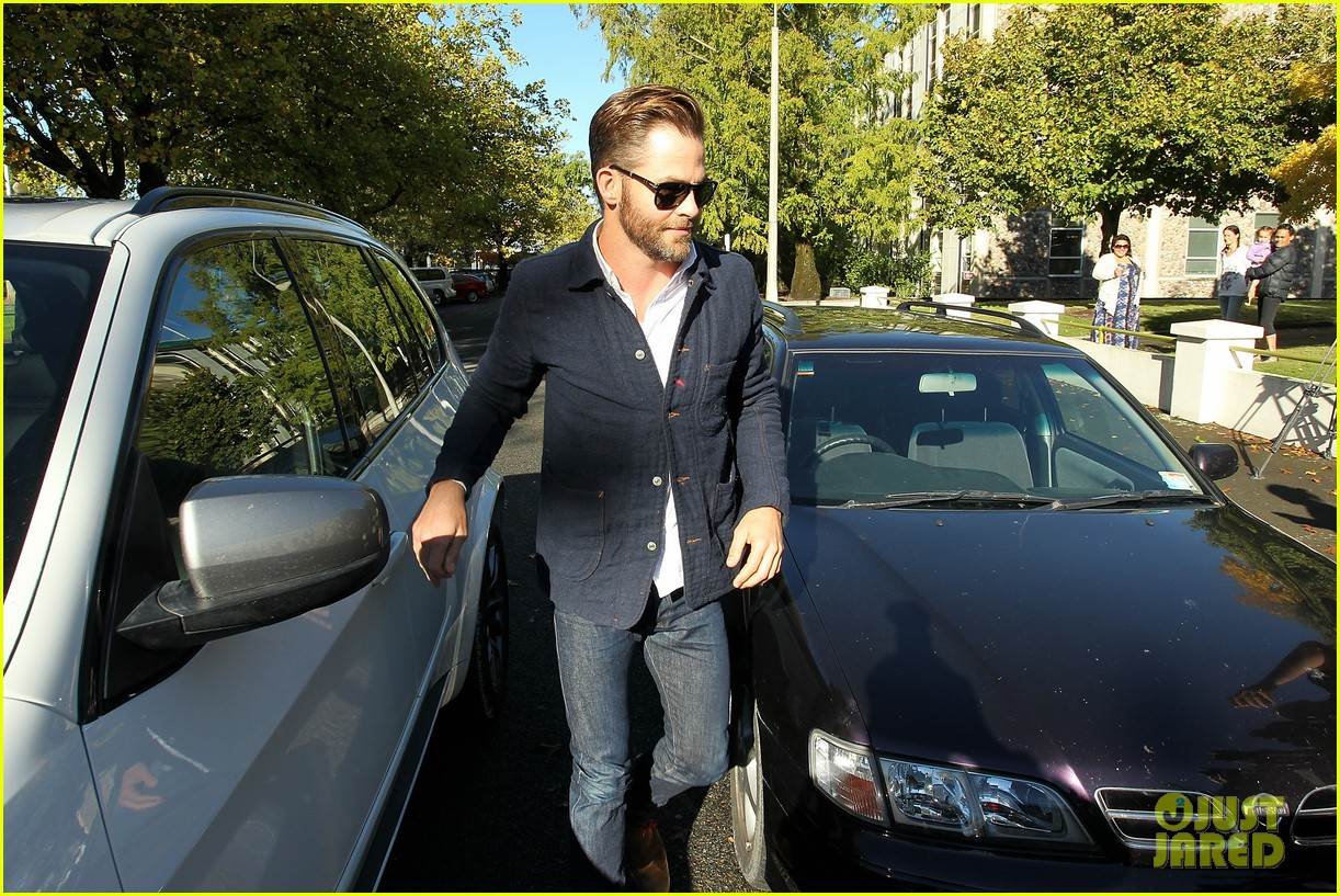 chris pine appears in court for dui arrest in new zealand 06
