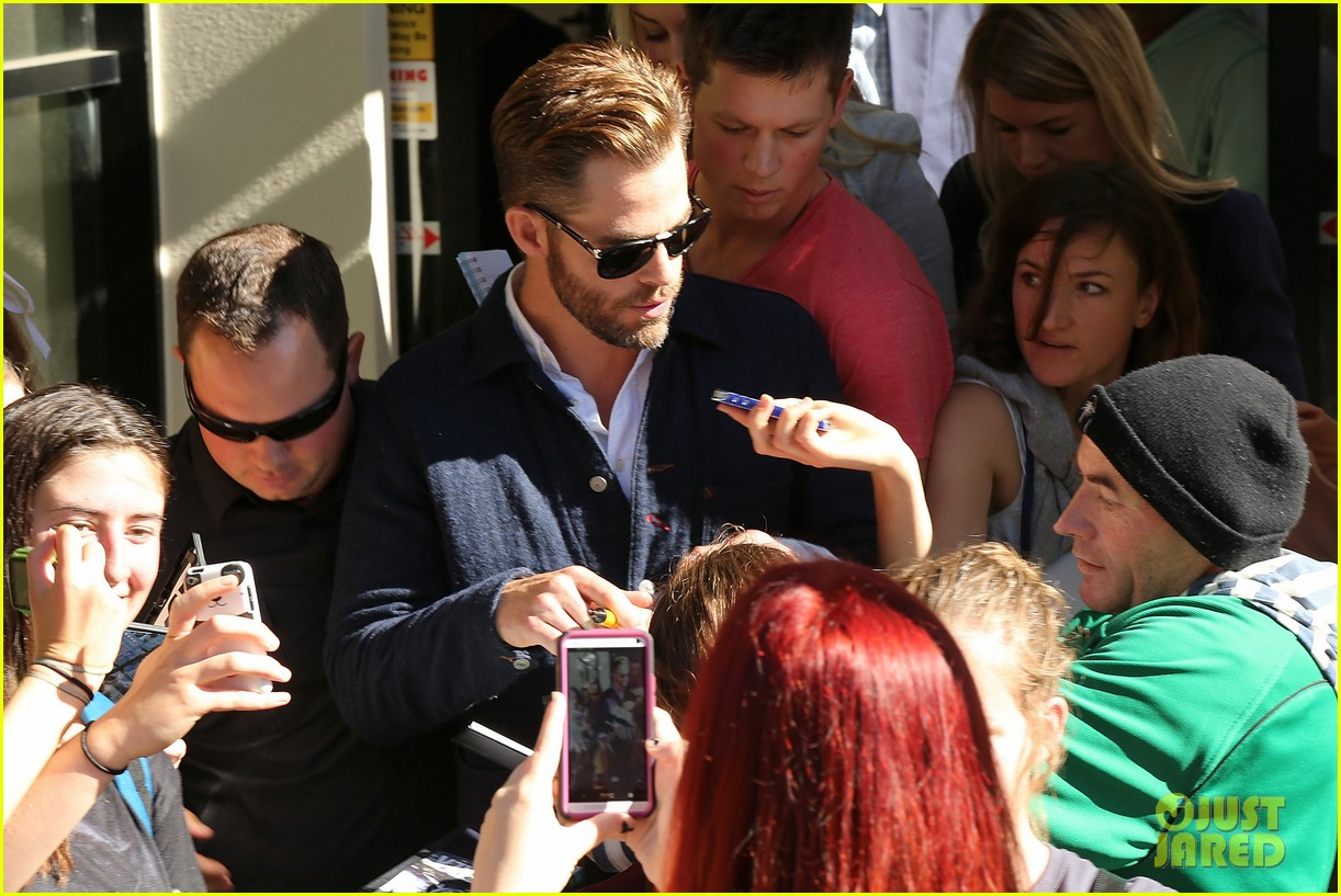 chris pine appears in court for dui arrest in new zealand 09