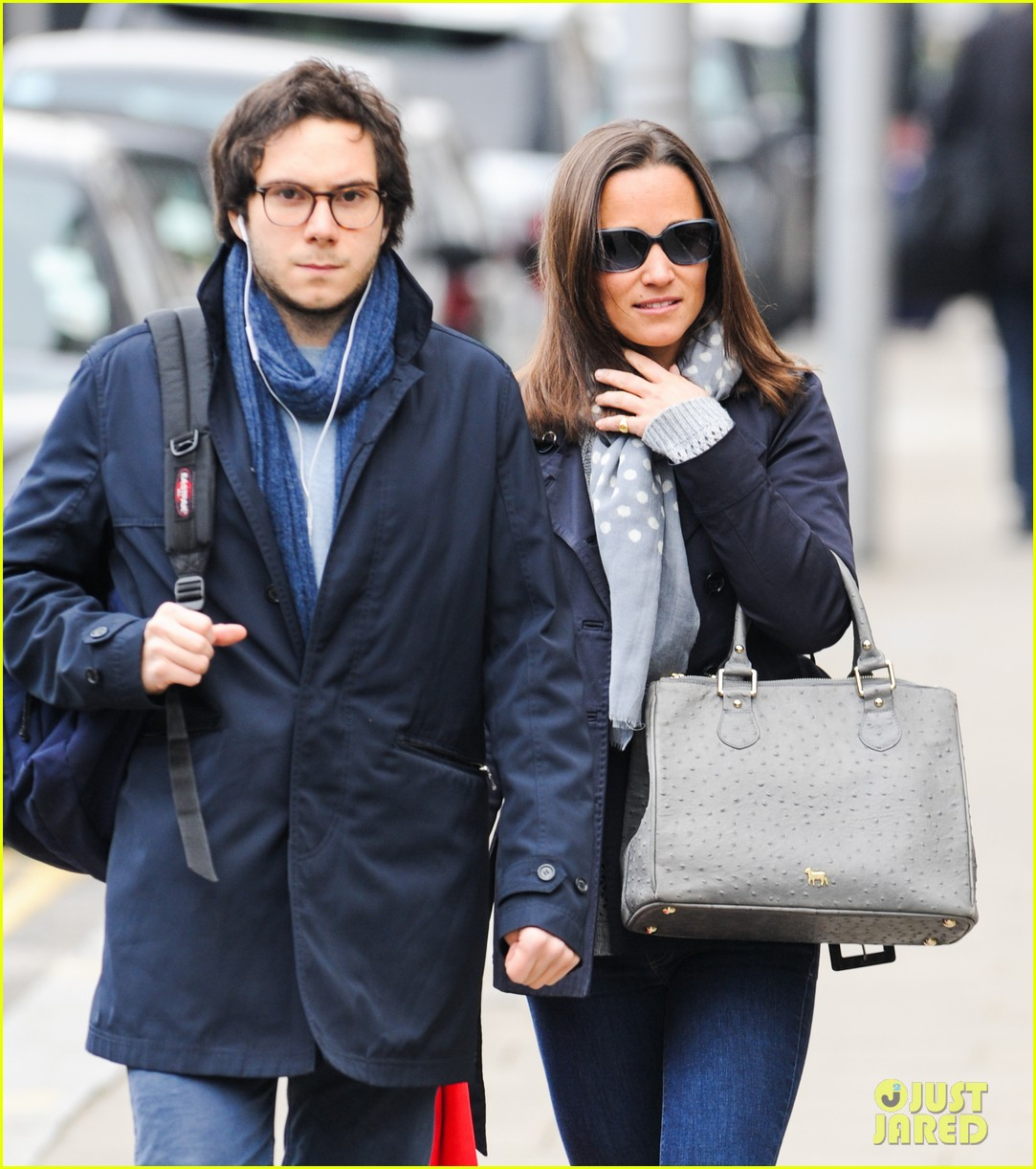 kate pippa middletons go to fashion brand hobbs coming to us 05